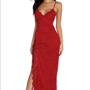 Windsor SELENE FORMAL SCALLOPED LACE DRESS